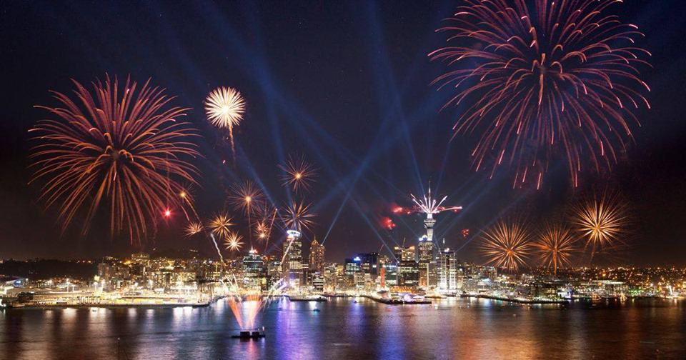 Auckland-New-zealand-new-year-fireworks