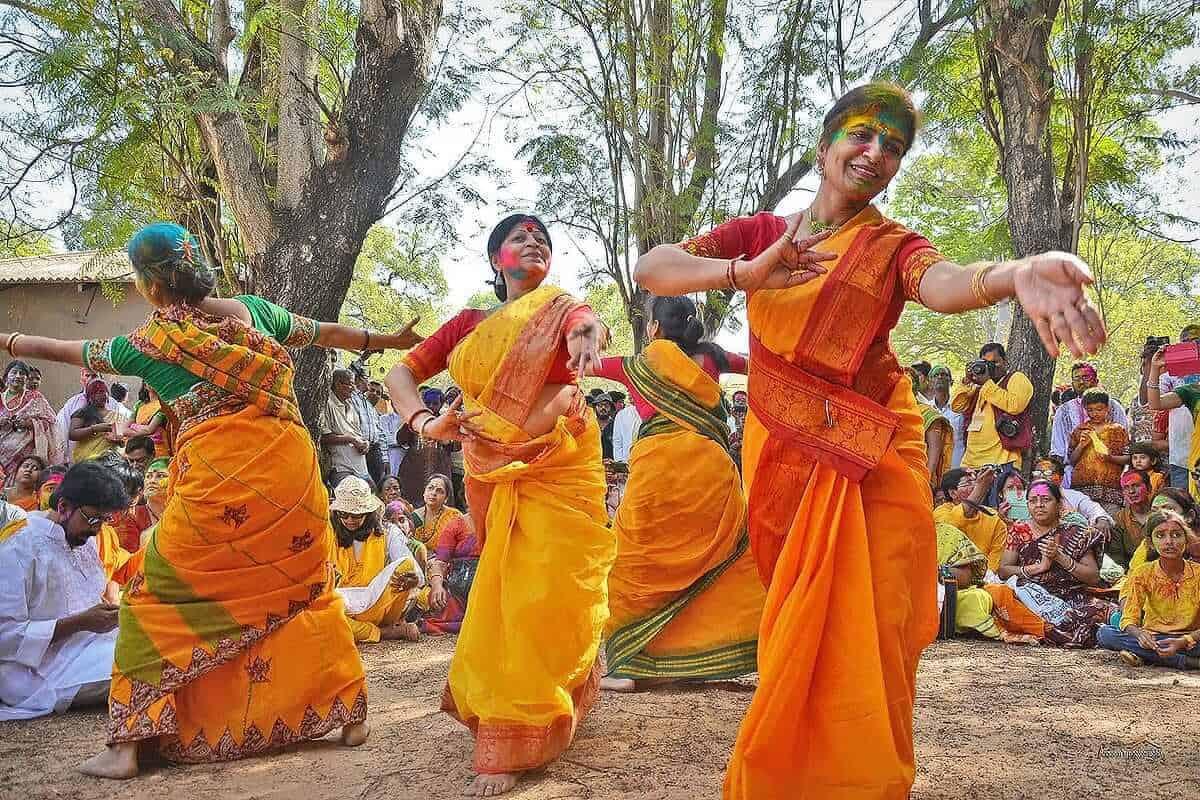 Basanta Utsav, Shanti Niketan Holi