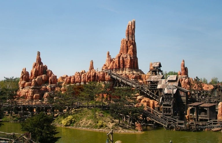 Big-thunder-mountain-ride-disneyland-paris