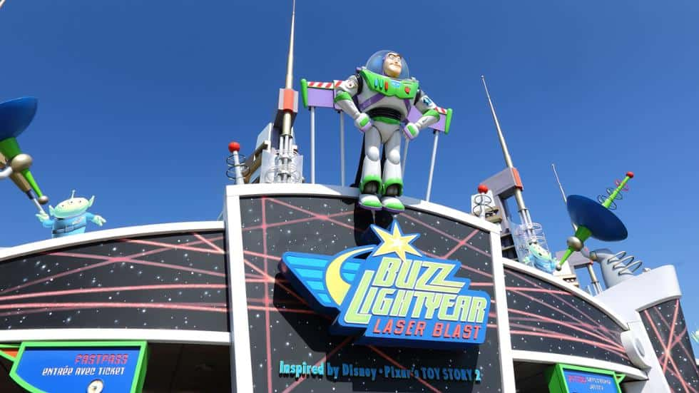 Buzz-Lightyear-laser-blast-attraction-disneyland-paris