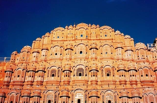 Hawa Mahal, Jaipur Travel Guide