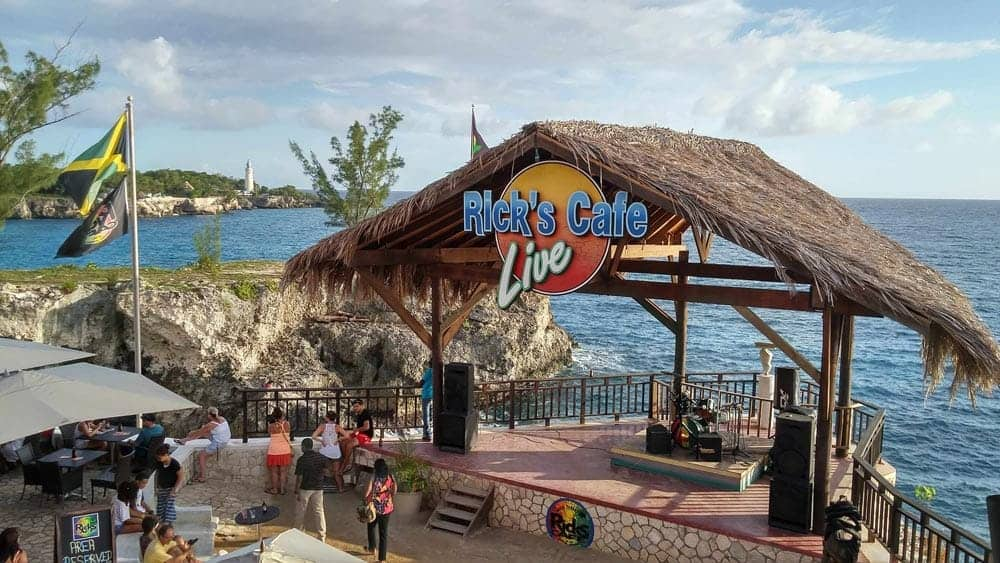 Jamaica-Montego-Bay-Doctors-Cave-Beach