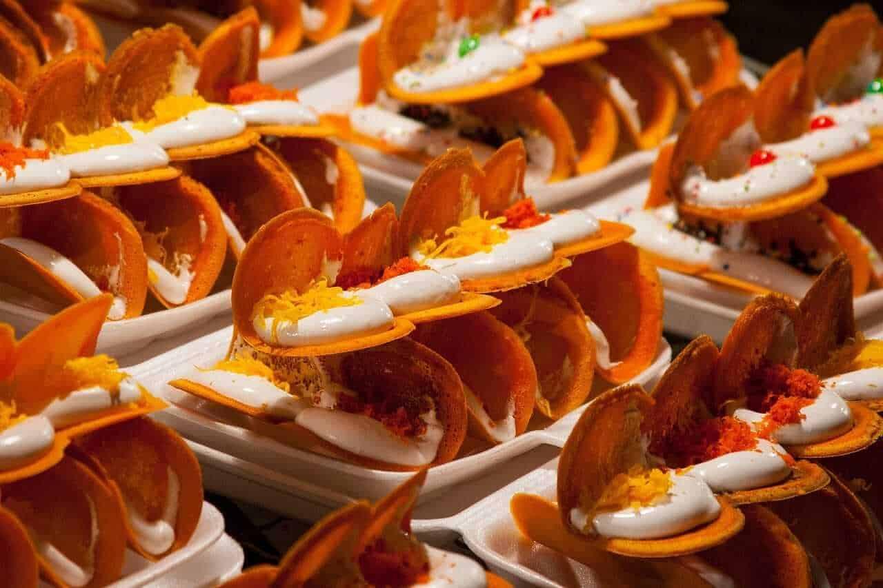 Khanom Bueang - Thai Crispy Crepes