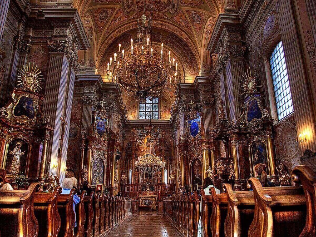 Kosciol-Akademicki-sw.-Anny-St.-Annes-Church-Warsaw