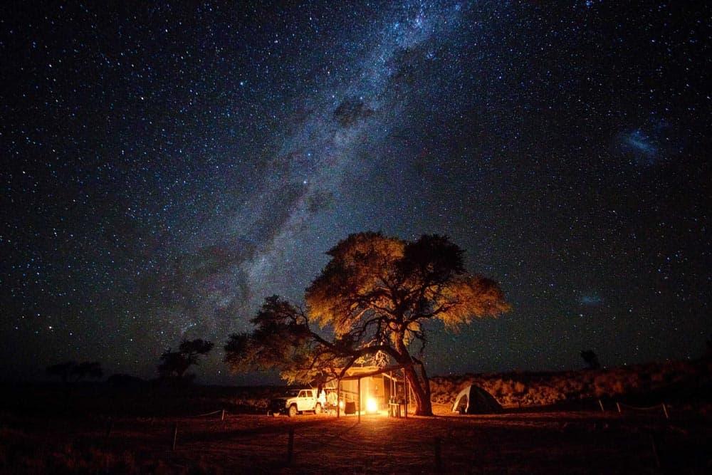 Stargazing - Observación-de-las-estrellas-Namibia