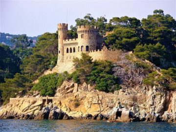 Offbeat places near Barcelona