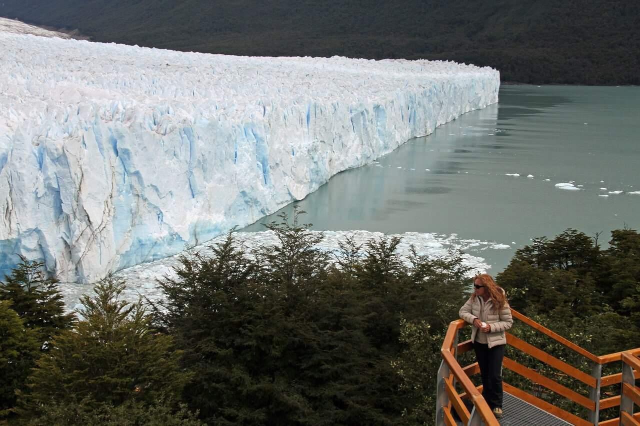 Perito-moreno-glacier-calafate-patagonia-argentina