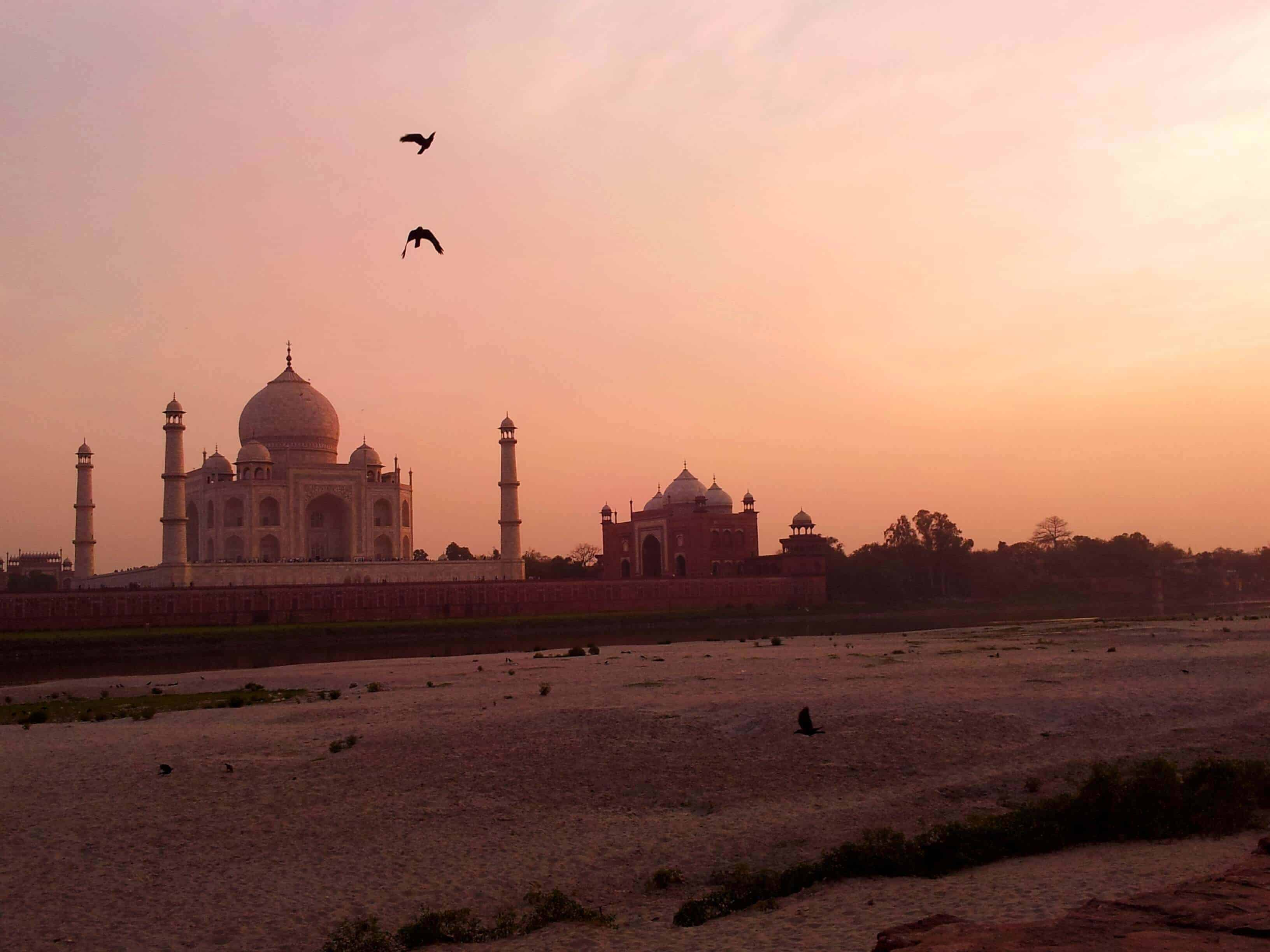 Taj-Mahal Pics-in-the-evening