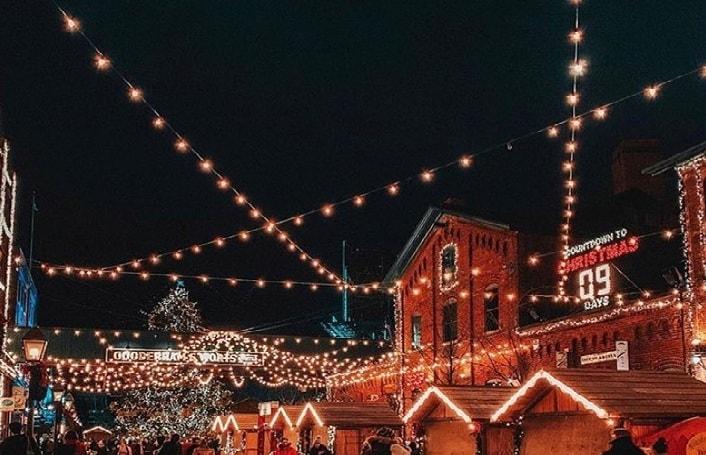 Toronto-Christmas-market-Canada