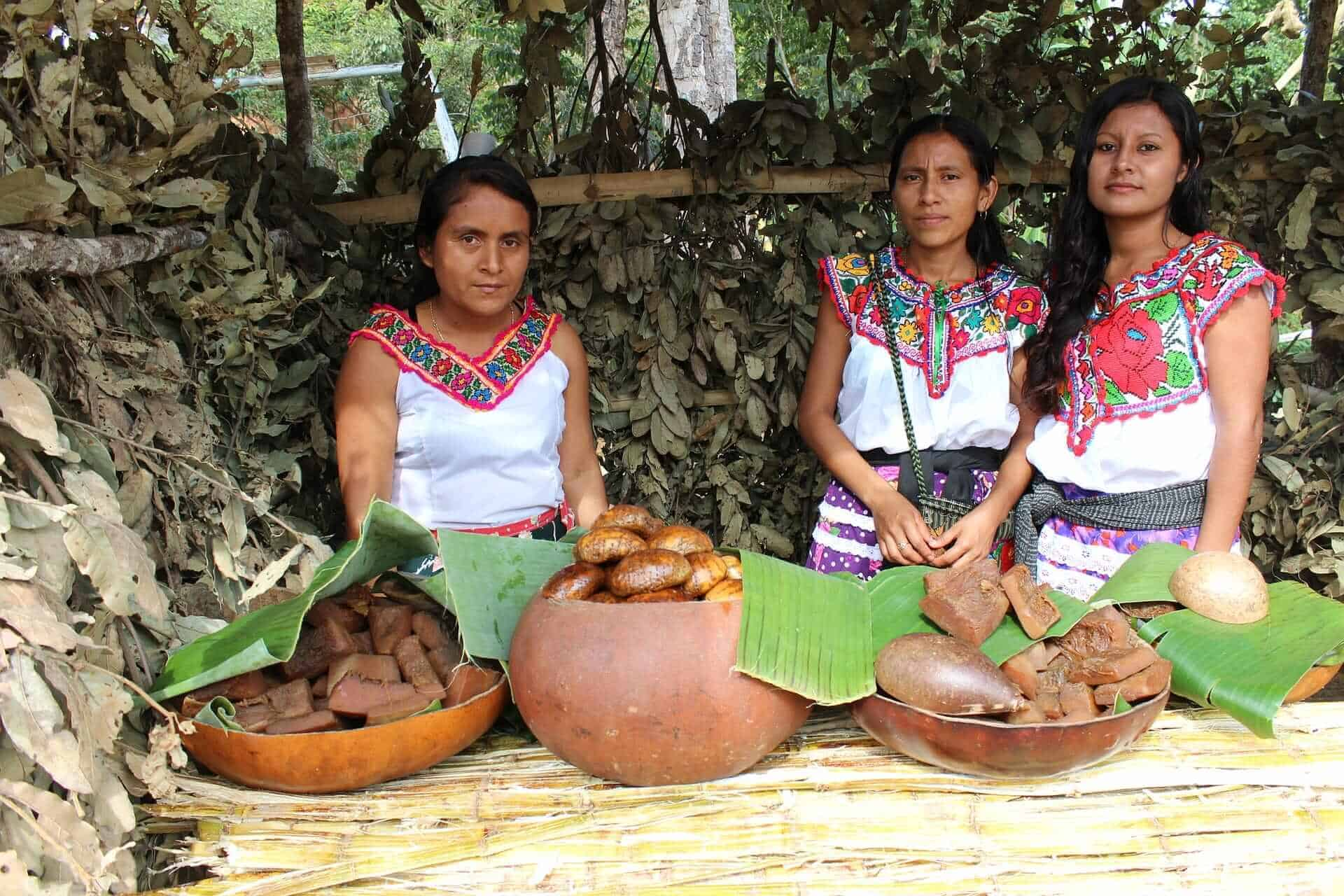 Women in traditional clothes in Oaxaca