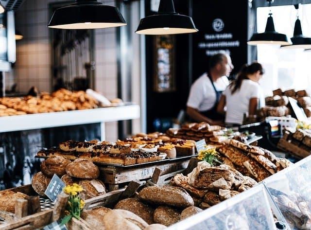 bakery-boulangerie-food travel cheap in France