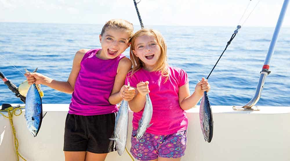 Deep sea fishing in Dubai is an activity all the members of the family will enjoy!