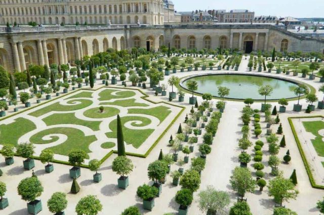 Orange Garden - Chateau de Versailles Travel Guide