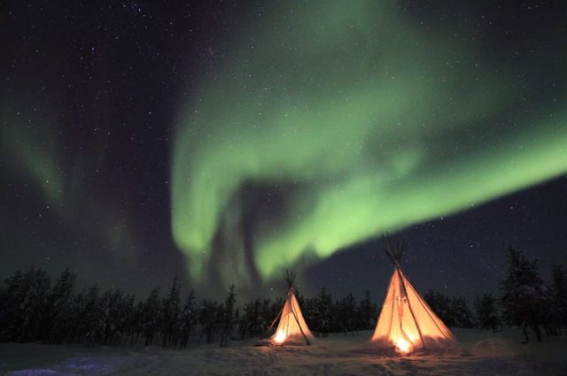 aurora-borealis-at-yellowknife-canada
