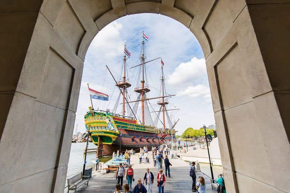 national-maritime-museum-amsterdam-ship-amsterdam