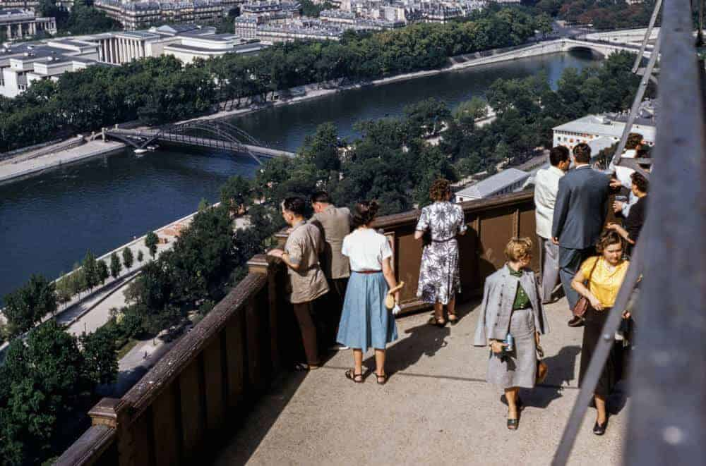 vintage-photo-of-French-tourists
